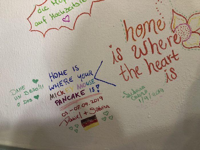 """...entsprechend verewigten wir uns auf der Wand des """"Brunch de Salento"""""""