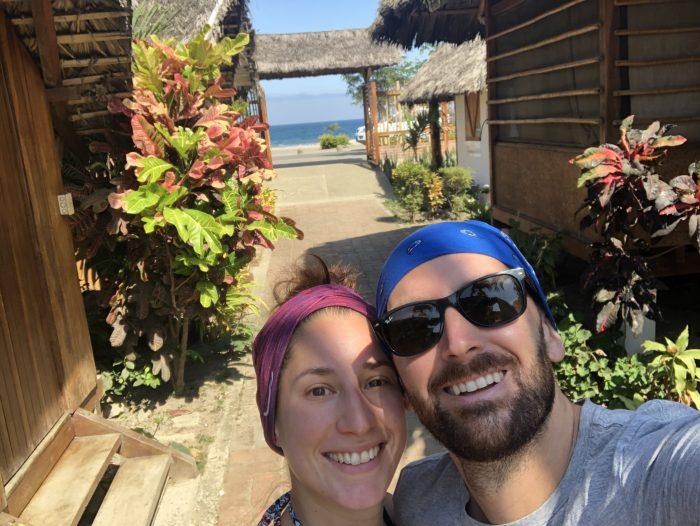 Vor unserer zauberhaften Cabaña in Puerto Lopez