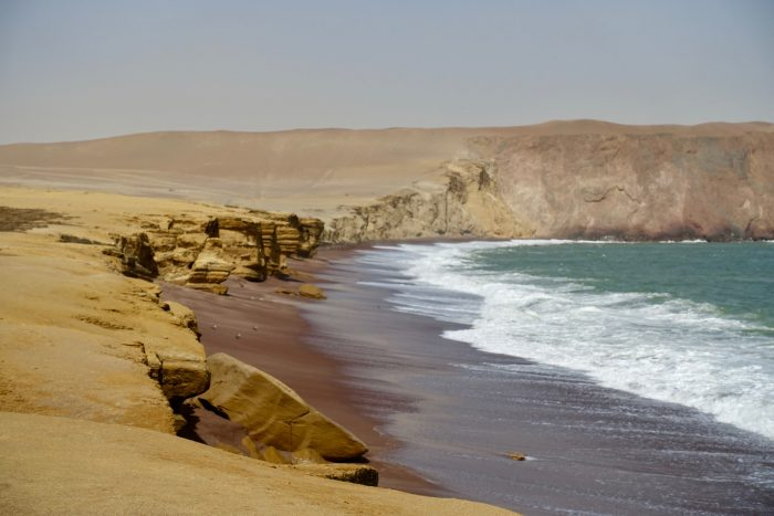 Red Beach im Paracas Natural Reserve